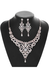 Trendy Rose Gold Rhinestone Necklace and Earrings Jewelry Set