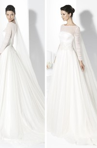 Floor-Length Scoop Appliqued Long-Sleeve Tulle Wedding Dress