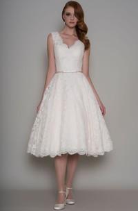 Tea-Length A-Line Appliqued V-Neck Sleeveless Lace Wedding Dress