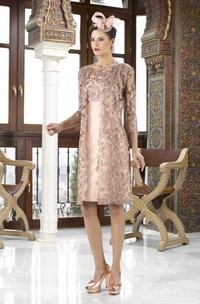 Knee-Length 3-4 Sleeve Bateau Neck Appliqued Satin Mother Of The Bride Dress