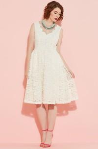 Knee-Length Sleeveless V-Neck Lace Wedding Dress With V Back