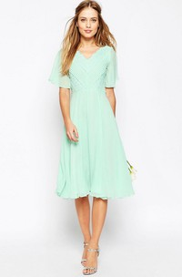 Knee-Length Ruched Poet Sleeve V-Neck Chiffon Bridesmaid Dress With Lace