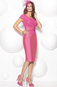Knee-Length Lace Square Neck T-Shirt Sleeve Satin Mother Of The Bride Dress